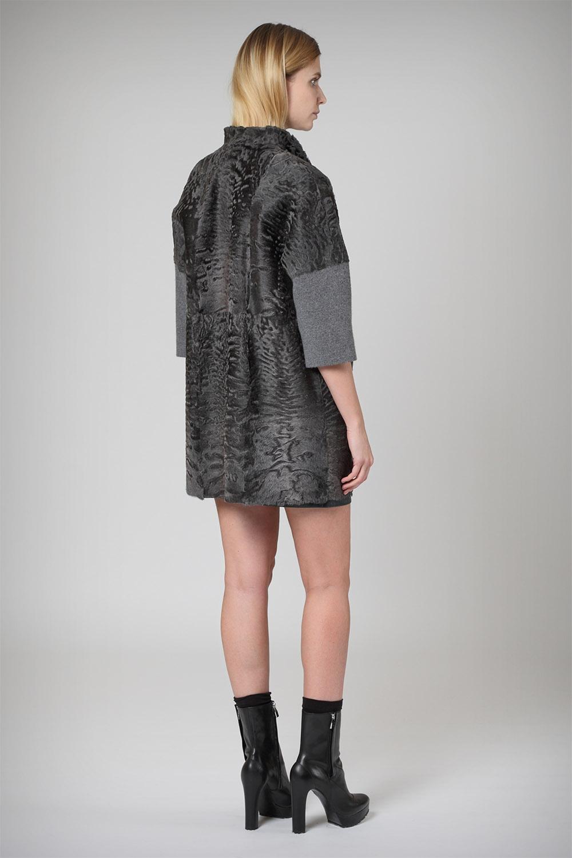 Ольги Бузовой купить пальто из таани с отделкой из каракульчи то